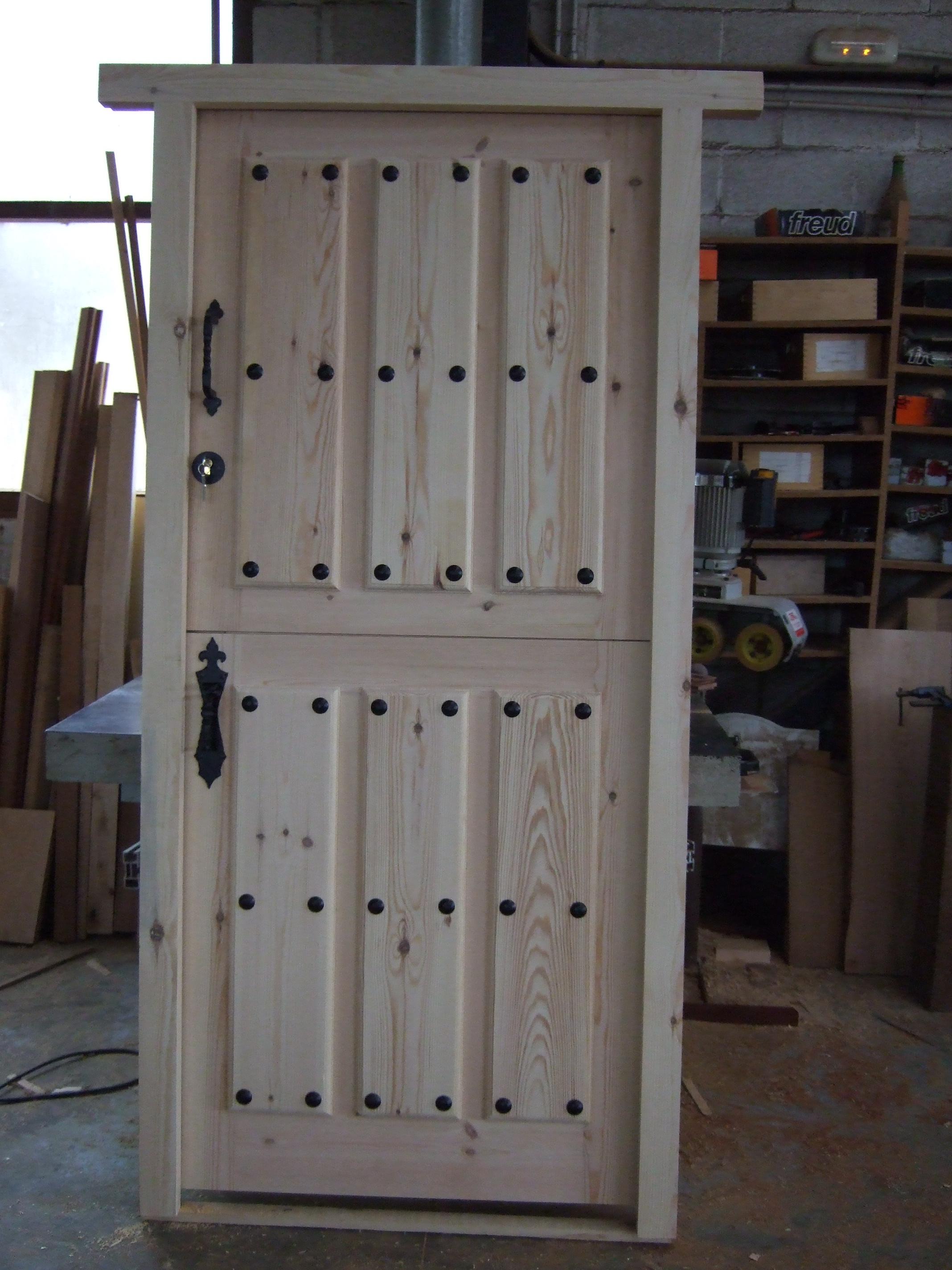 Puertas de Exterior y Portones – Carpinteria Francisco Castro