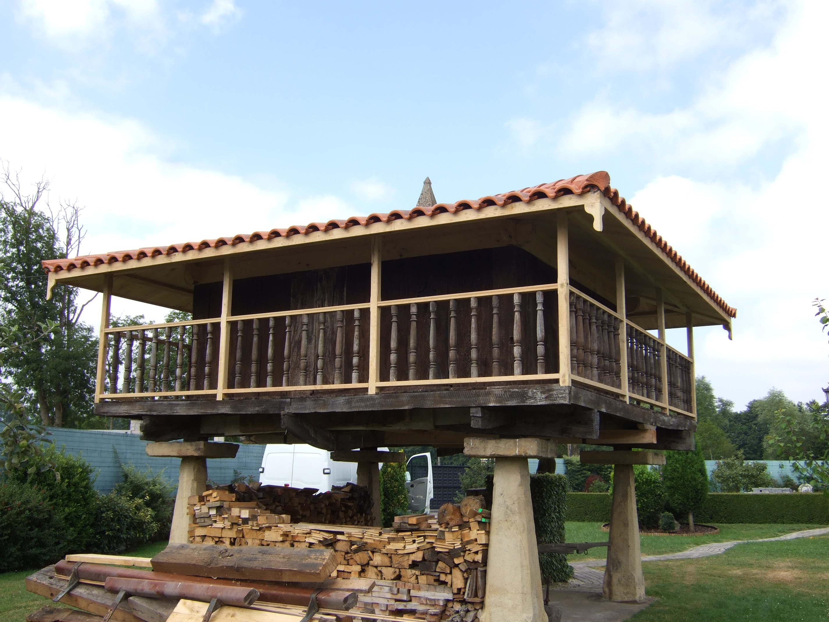 Nuevo tejado y columnas
