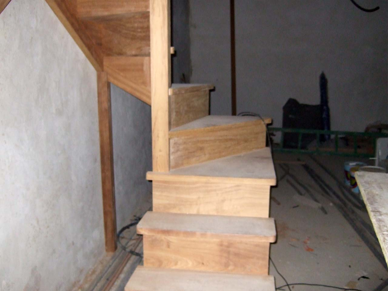 Escalera de Iroko compensada